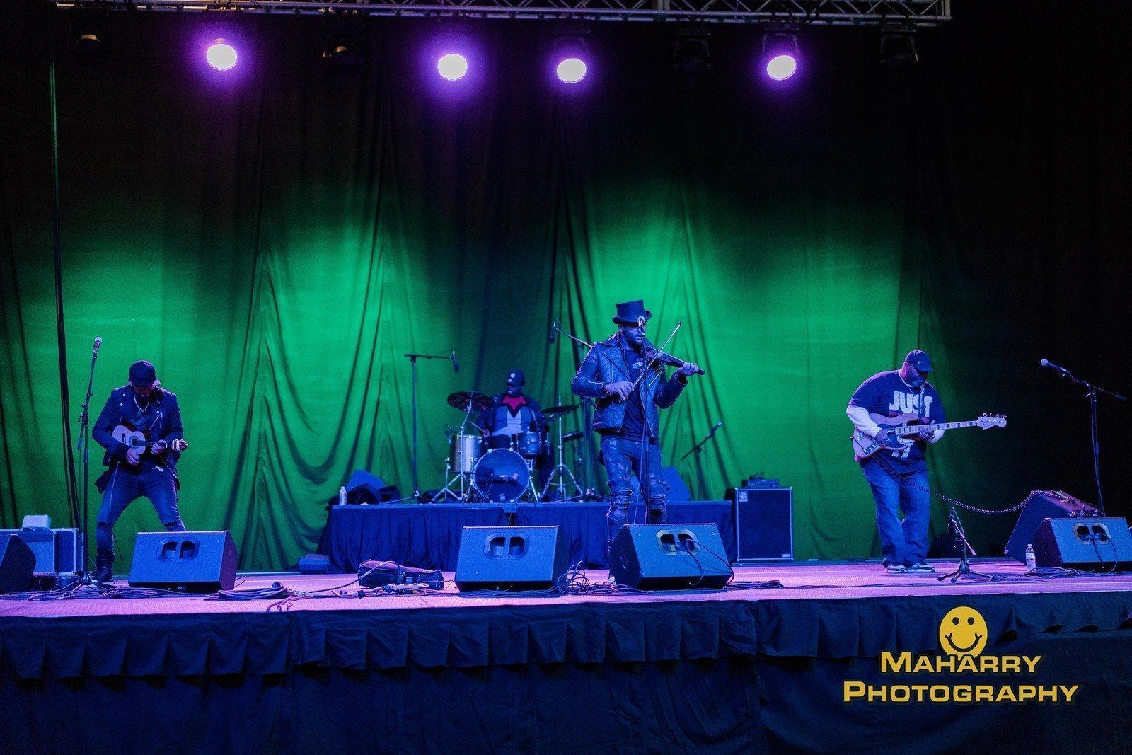 B2wins Brazilian 2wins Party Rock Band Iowa