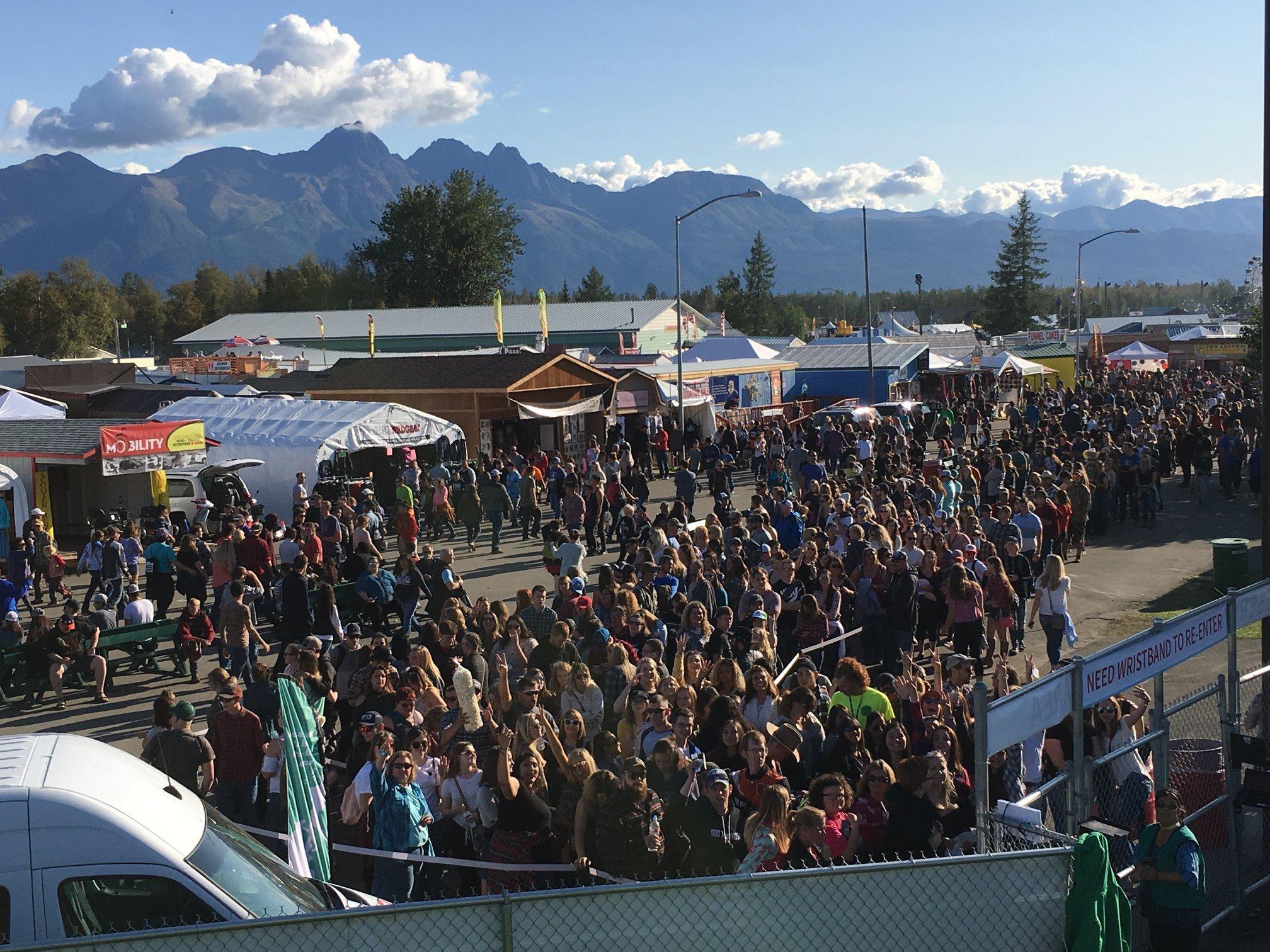 2109 alaska state fair b2wins